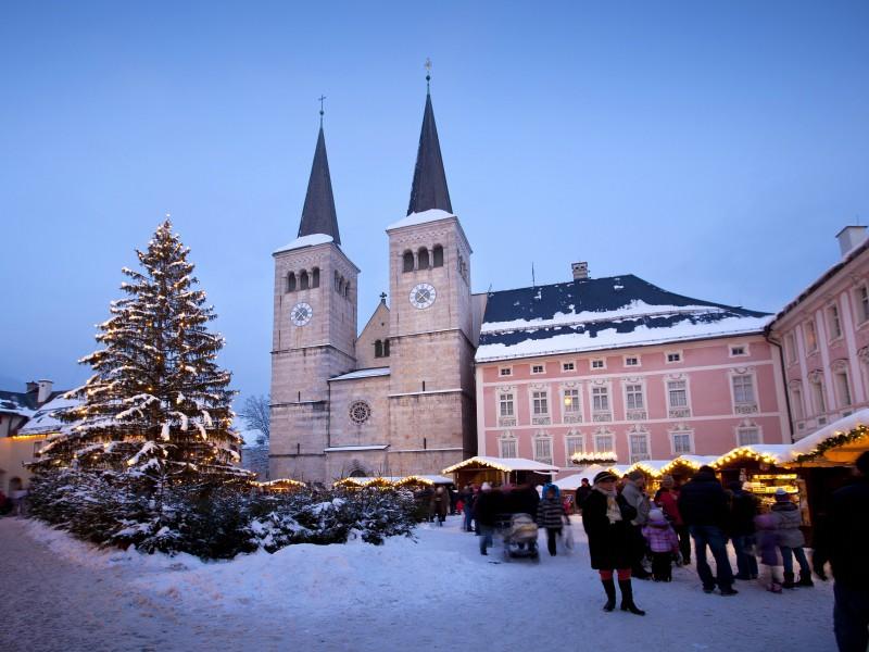 Königliches Schoß und Weihnachtsmarkt Berchtesgaden