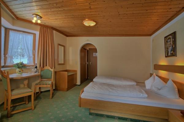 Doppelzimmer mit Balkon 1. od. 2. Etage-2