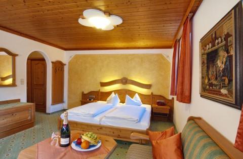 Komfort Doppelzimmer mit Wohnecke und Balkon